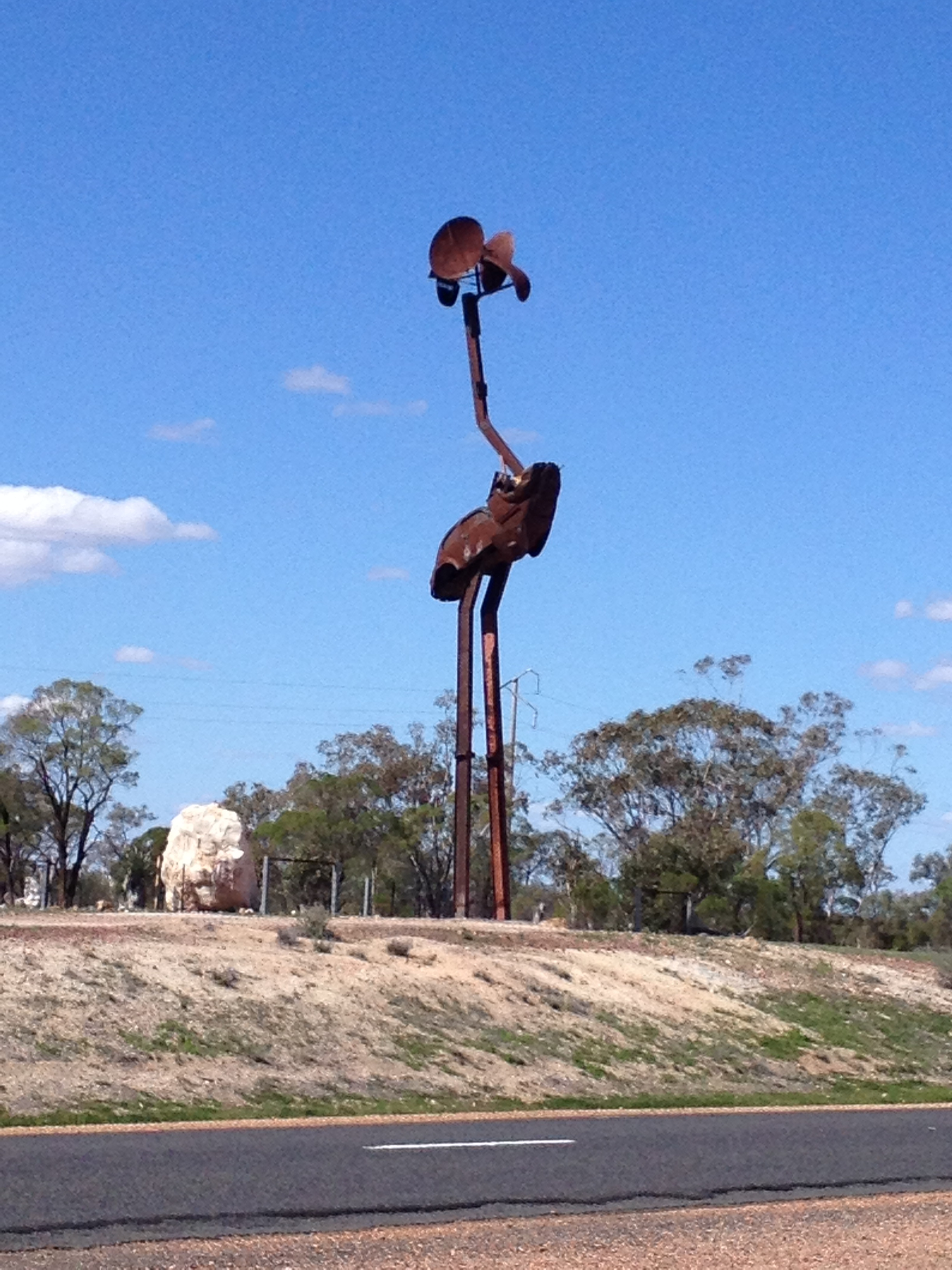 Large Emu sign at approach to the Lightning Ridge Opal Field